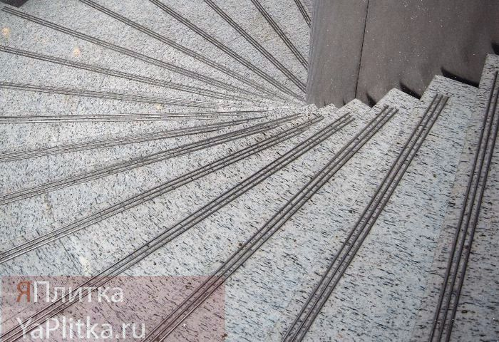 лестница гранит