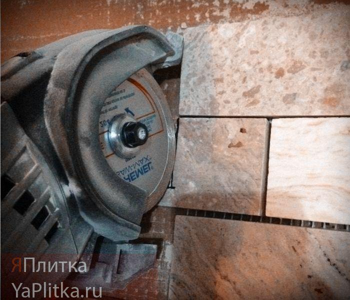 резка керамической плитки болгаркой