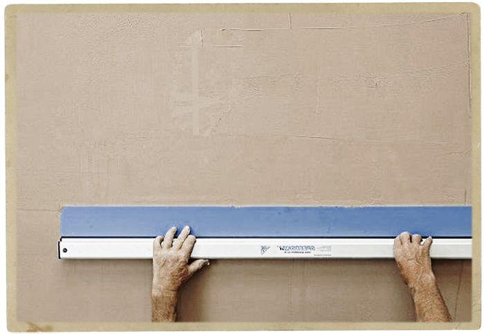 что нужно для выравнивания стен под плитку