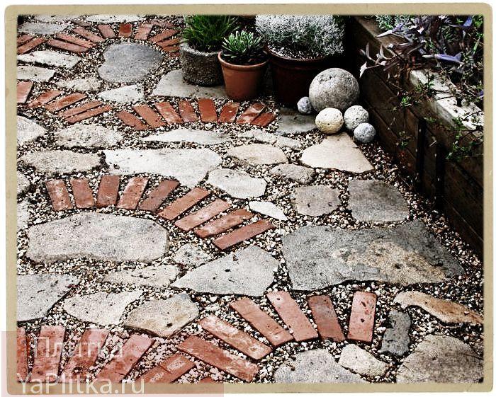 Плитка для дорожек на даче и другие материалы для садовых дорожек