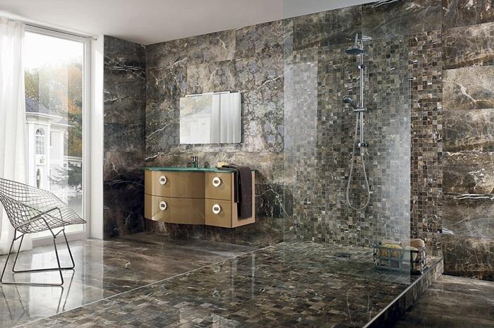 Керамогранитная плитка на стенах под камень