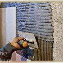 Можно ли выровнять стены плиточным клеем